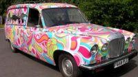 Lijkwagen voor hippies