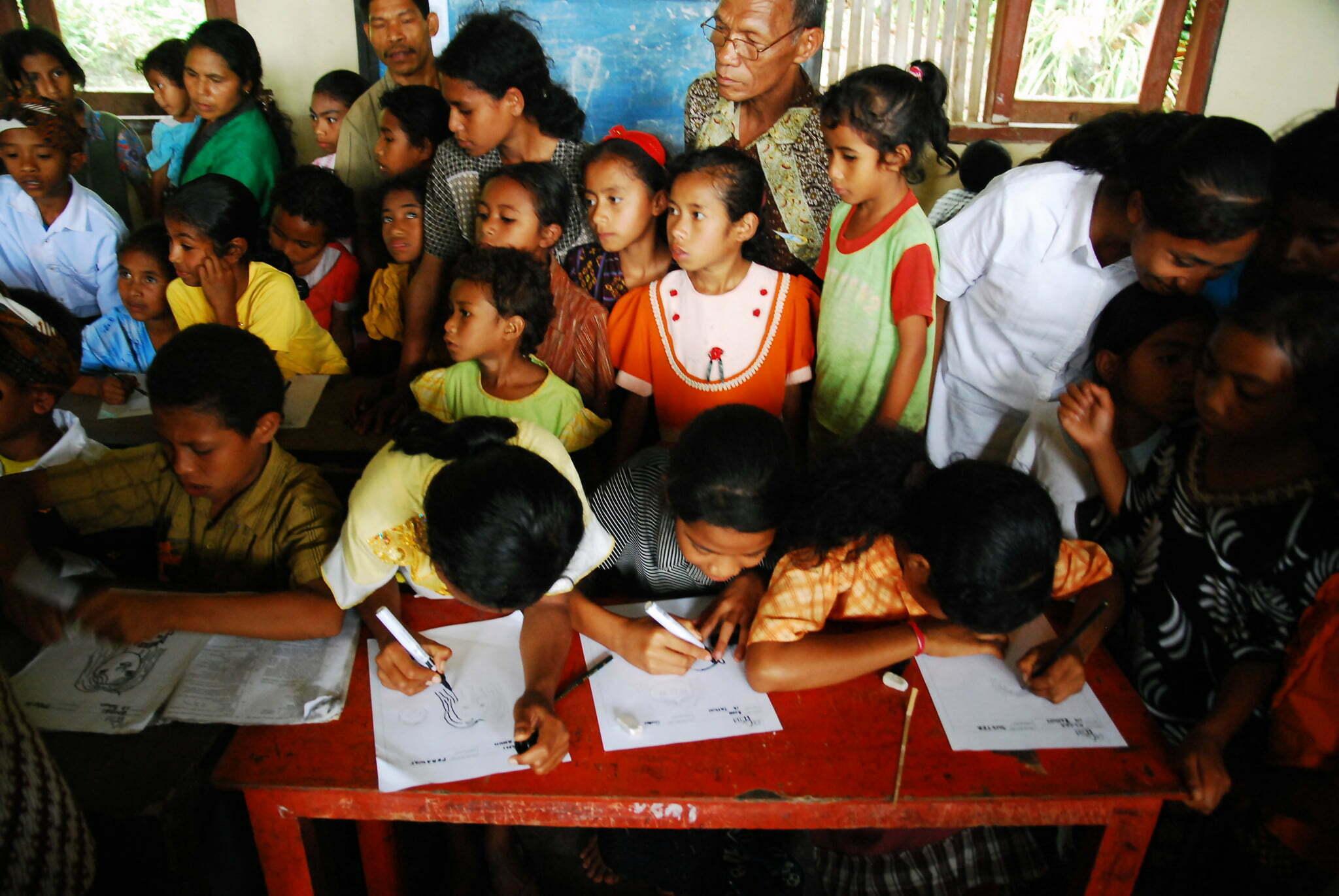 Kijktip: Indonesische kinderen ontwerpen eigen toekomst met t-shirt designs van Face This