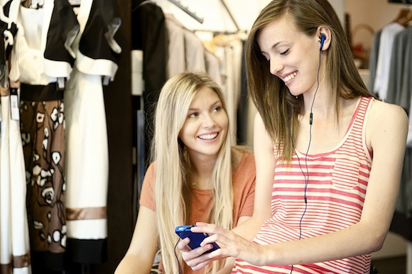 Duurzame kleding kiezen met de Mobiele Kledingchecker