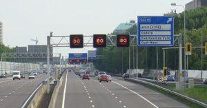 Luchtvervuiling A10 door snelheidsverhoging naar 100 km/u. Foto: wikimedia commons