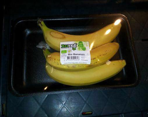 Supermarkt draait door: bio-bananen in verpakking - hetkanWel.nl: https://www.hetkanwel.net/2012/11/11/supermarkt-draait-door-bio...