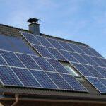 Zonnepanelen kun je financieren met de energiebespaarlening. Foto: wikimedia commons