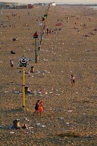 Troep op het strand