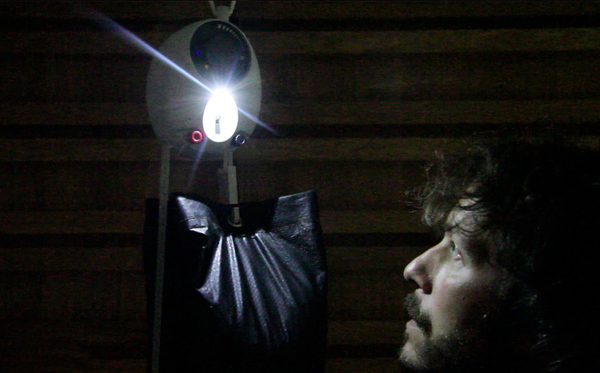 LED lamp op zwaartekracht. Foto: GravityLight