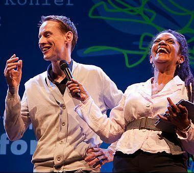 Roosegaarde tijdens de uitreiking van de Charlotte Köhler Prijs