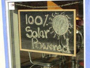 Vrijstelling energiebelasting ook voor huurders van zonnepanelen. Foto: kretyen, Flickr