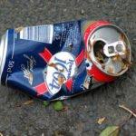 Gratis bier voor alcoholisten. Foto: how can i recycle this, Flickr