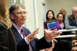 Bill Gates aan het woord. Foto: DFID, Flickr