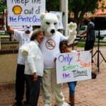 Protest boringen noordpool tegen Shell. Foto: Polar Bear Uprising, Flickr