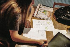 Huiswerk maken kun je plannen. Foto: Robert Couse-Baker, Flickr