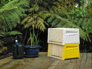 Met deze stapelbare bijenkorf wordt bijeenhouden in iedere tuin mogelijk. Foto: Inhabitat