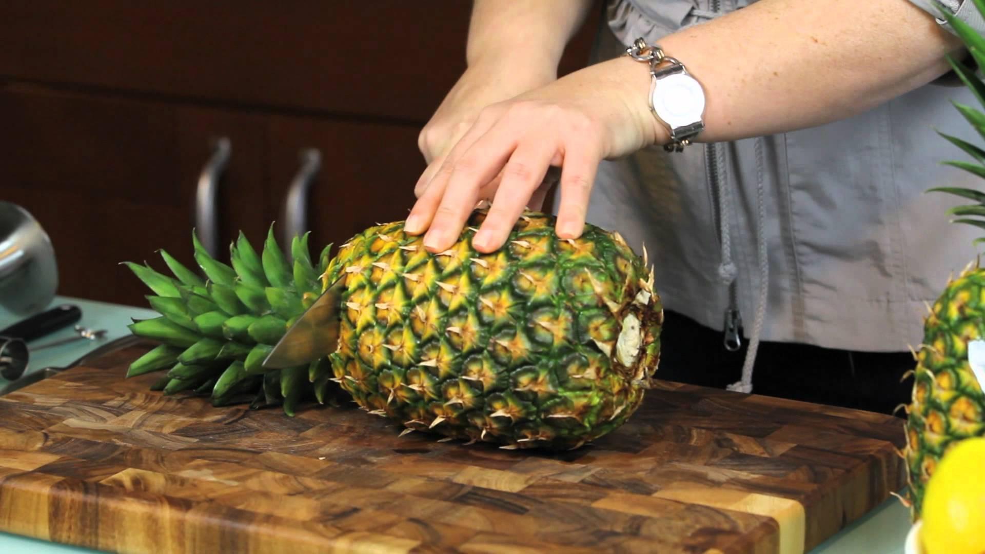 Hoe snij je een ananas zonder voedsel te verspillen