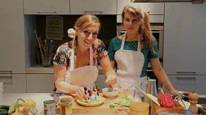 No Waste Daisy en Jill aan de slag tegen voedselverspilling. Foto: Menno Bausch