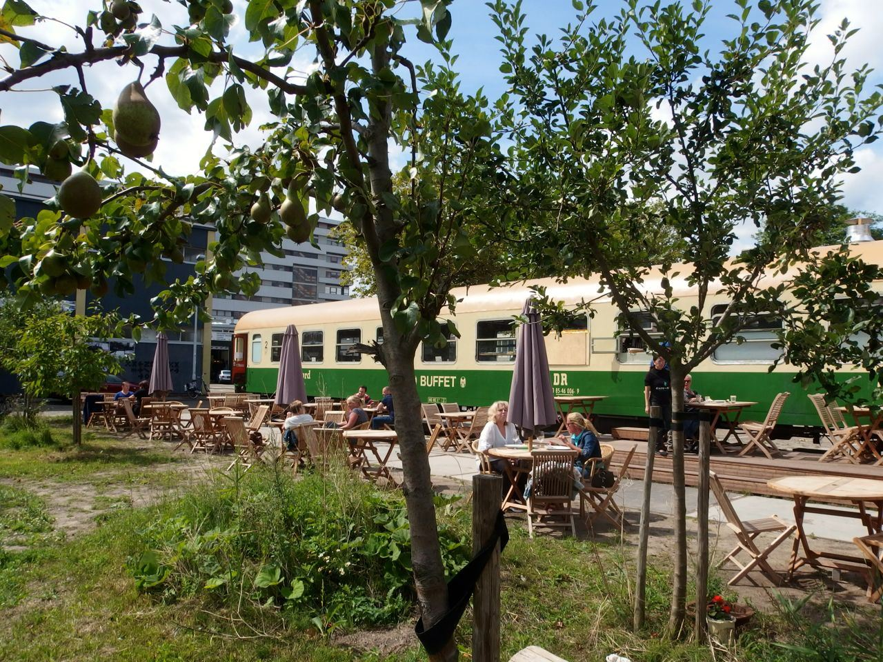 Vegan bistro Gare du Nord brengt buurt bij elkaar met heerlijk eten