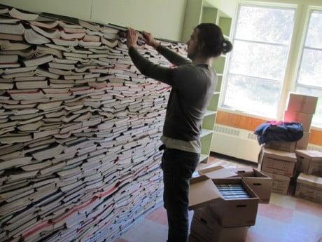 Bibliotheek gebruikt afgeschreven boeken als isolatiemateriaal