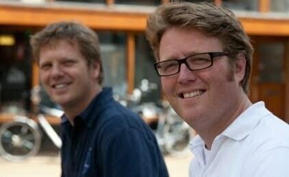 hetkanWel-hoofdredacteur Marten van der Meulen (rechts) en uitgever Matthijs Sienot
