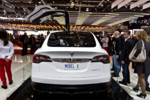 De Tesla Model X gooit hoge ogen. Foto: Luchinho Photography, Flickr