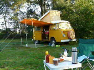 Lekker een weekendje weg met de retro Volkswagenbus.