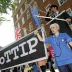 Op verschillende plaatsen in Europa wordt actie gevoerd tegen TTIP. Foto: Flickr, Global Justice Now