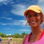 Een gelukkige vrijwilliger. Foto: Dave Bezaire, Flickr