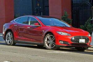 Als elektrisch rijden doorzet, zullen we deze Tesla Model S vaker in het straatbeeld zien. Foto: Mariordo59, Flickr
