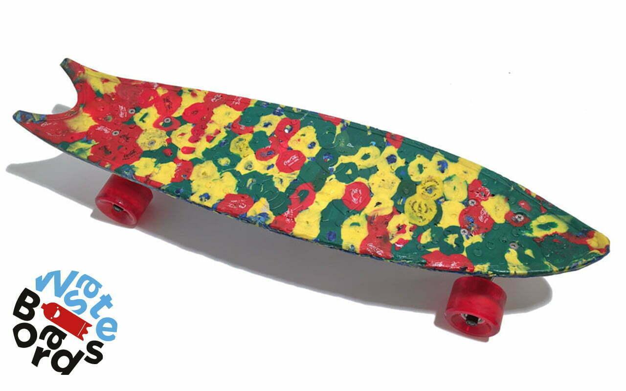 Skateboards gemaakt van plastic doppen uit de Amsterdamse gracht