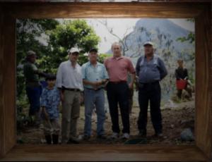 Tweede van rechts:  Arnold Noorduijn. Foto: Medellin Secret