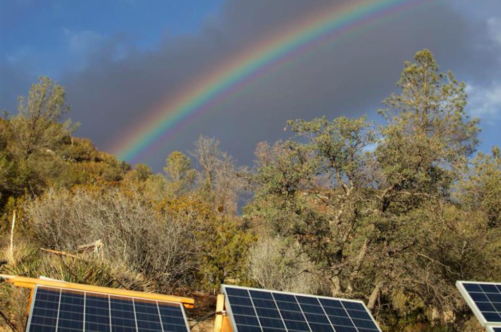nieuwe zonnepanelen halen energie uit regen