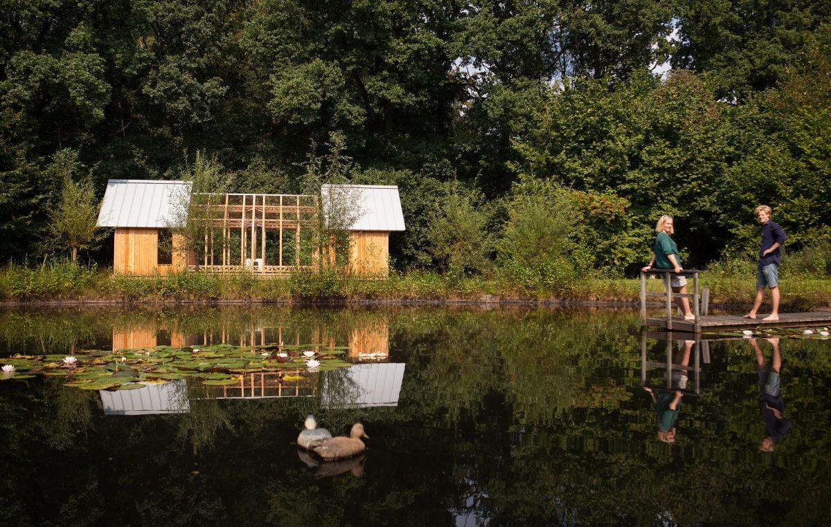 Dit tuinhuisje heeft uitschuifbare wanden