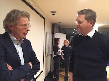 Robin Berg (links) in gesprek met Matthijs Sienot