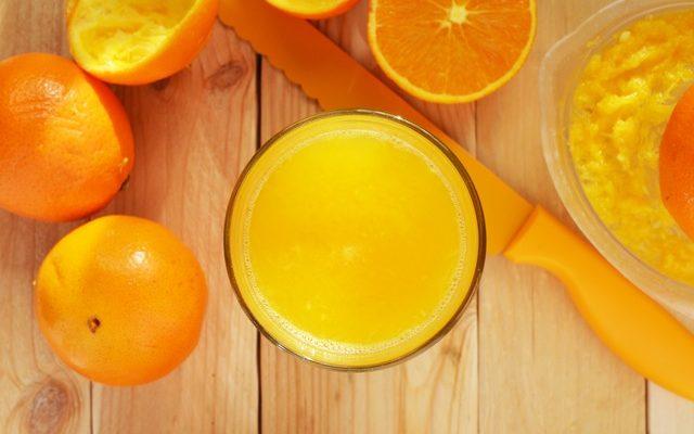 Parfum gemaakt van de schil van een sinaasappel