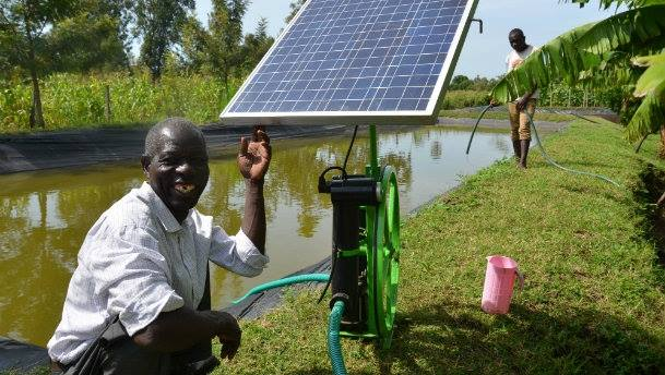 Waterpompen in Oeganda op zonne-energie? Het kan (wel)