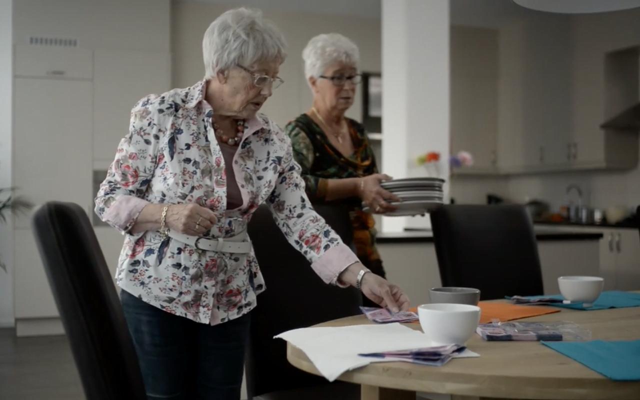 Gezellig oud worden in een studentenhuis voor 60-plussers