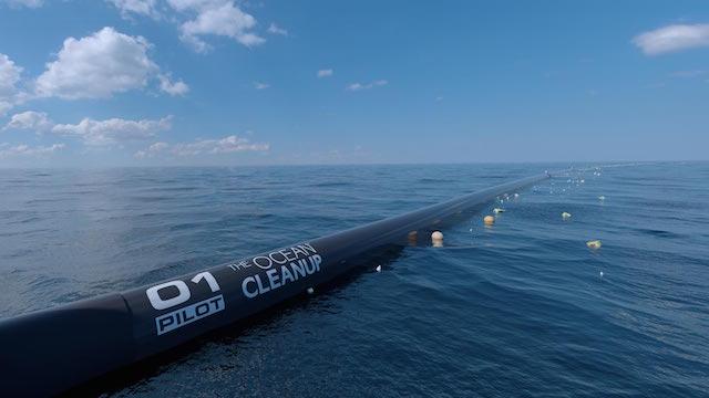 De plasticvanger van Boyan Slat gaat deze zomer 't water in