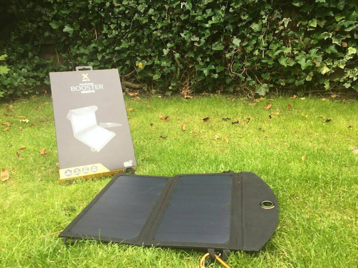 Zonnelader Xtorm Solar Power Booster AP150. Bron: hetkanwel