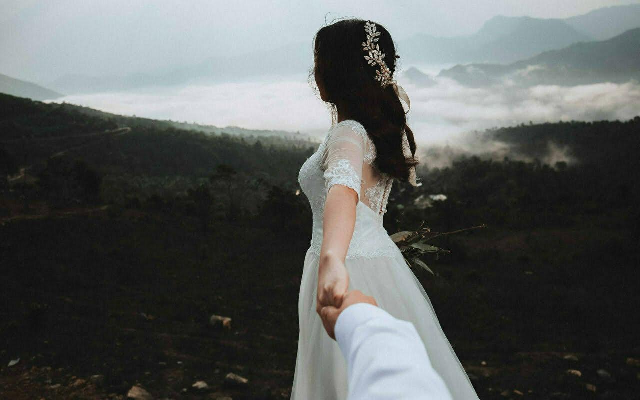 Groen trouwen in een duurzame trouwjurk