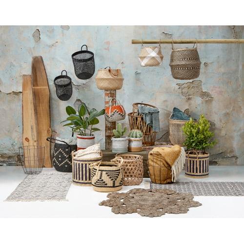 natuurlijke materialen te combineren hout riet aardewerk touw marmer bamboe jute en glas lenen zich bij uitstek voor de botanische look