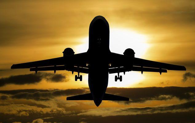 De luchtvaart is vervuilend, dus weg met de vliegvakantie?