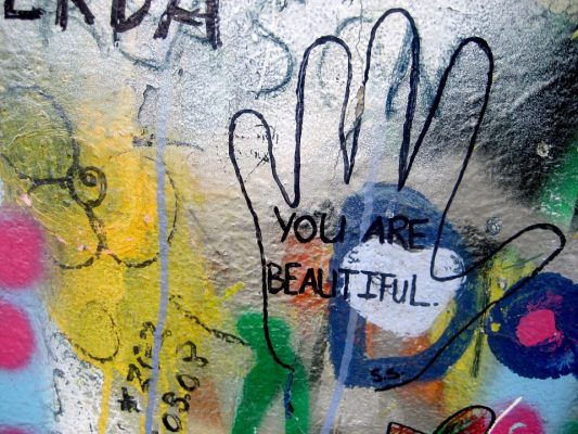 Waarom complimenten ons blij maken, ook online