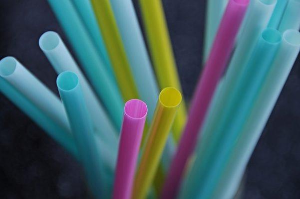 5 alternatieven voor het plastic rietje