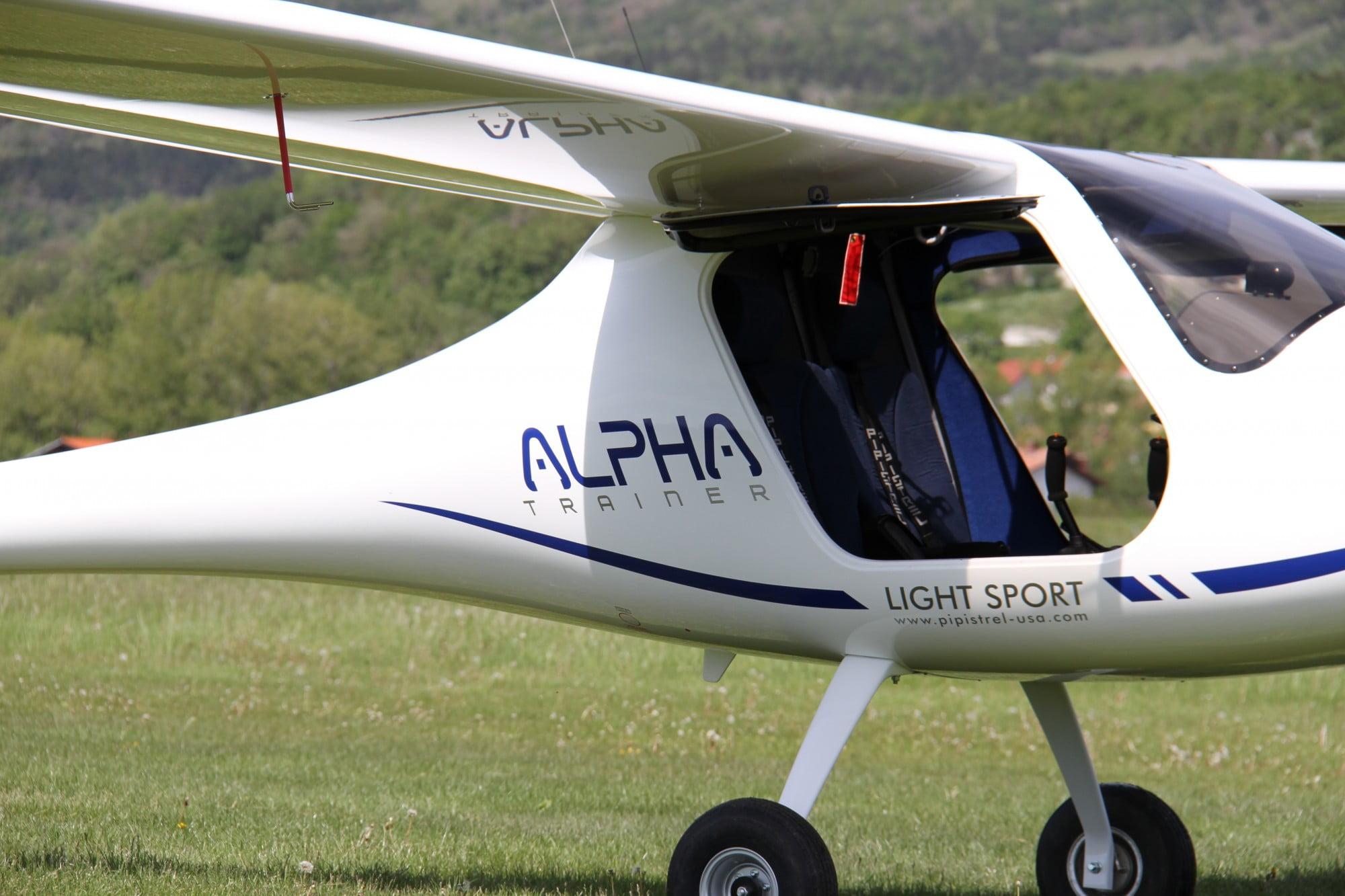 Elektrisch vliegtuig landt in Rotterdam