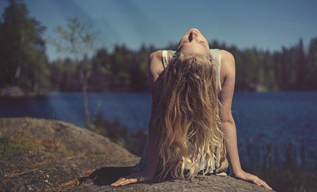 Kleding die je huid beschermt en het klimaat spaart