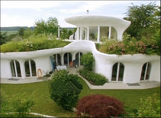 Deze prachtige huizen zijn gemaakt van afval