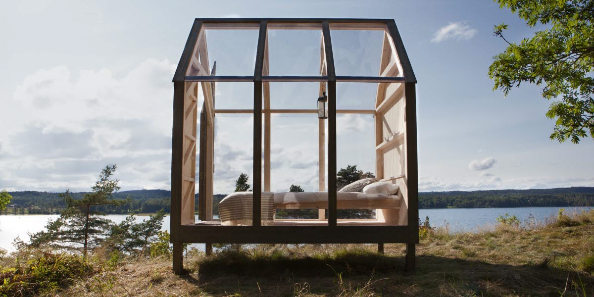 Kom tot rust in dit glazen tiny house middenin de natuur