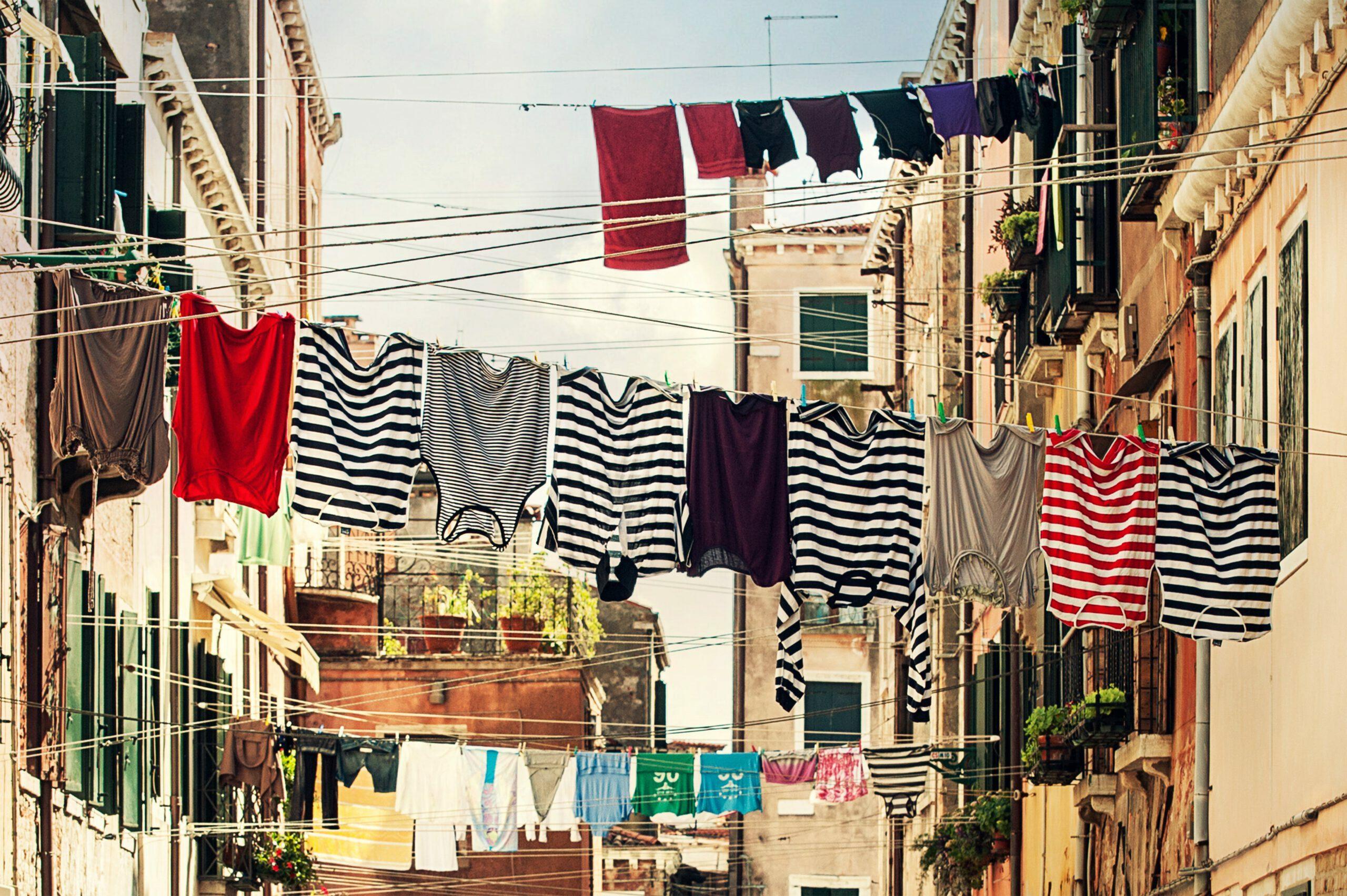 buildings-clothes-clothes-line-102303
