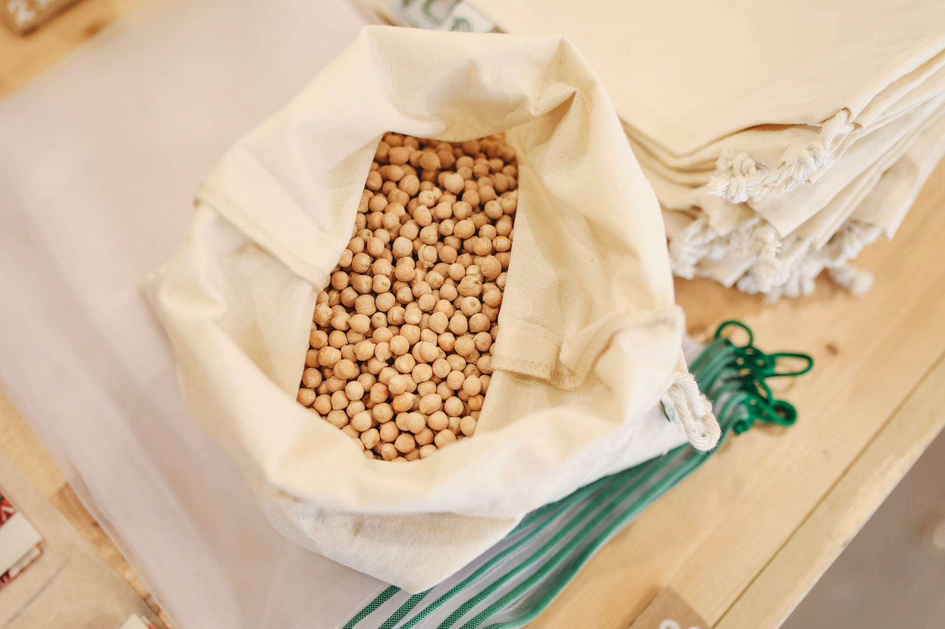 soybeans-in-sack-3735174