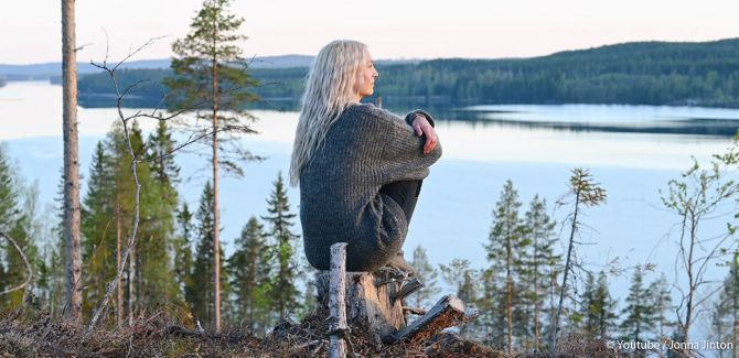 Jonna Jinton ging op haar 21e in de natuur van Noord-Zweden wonen