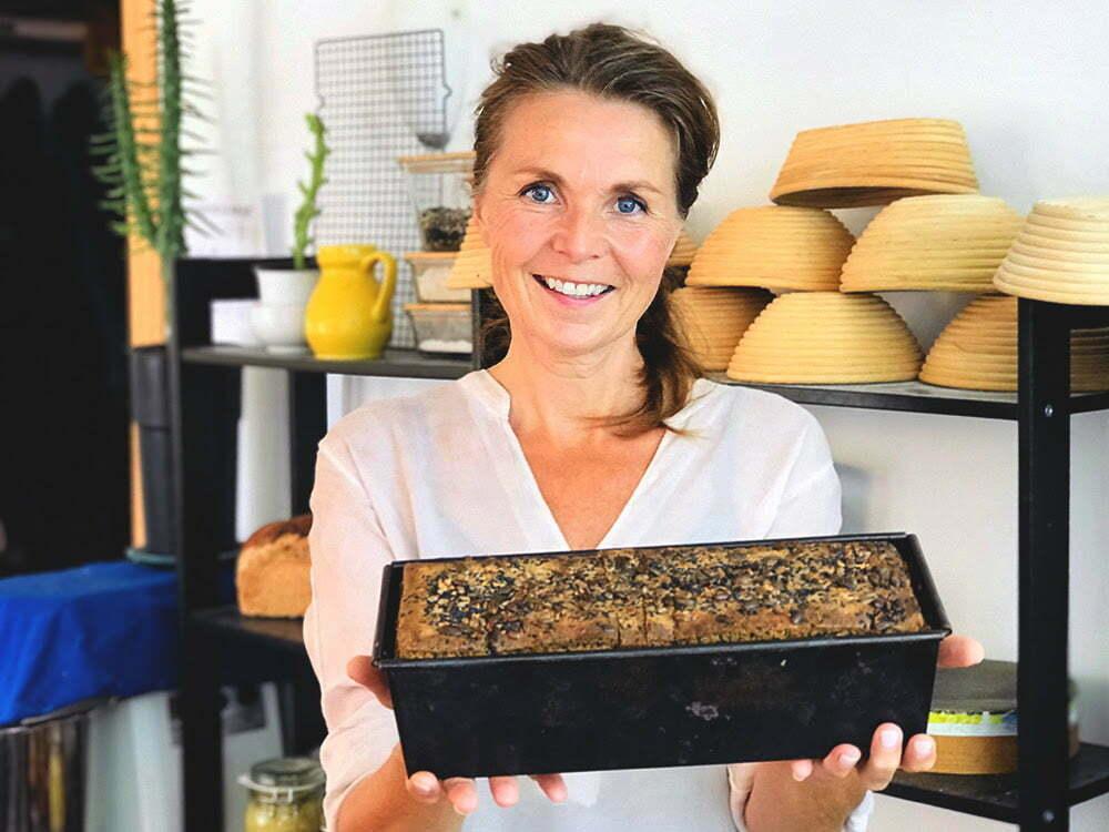 Marije Pelgrum bakt brood
