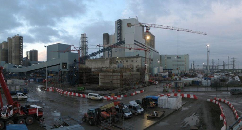Kolencentrale Eemshaven in aanbouw (nov. 2012). Foto: wikimedia commons