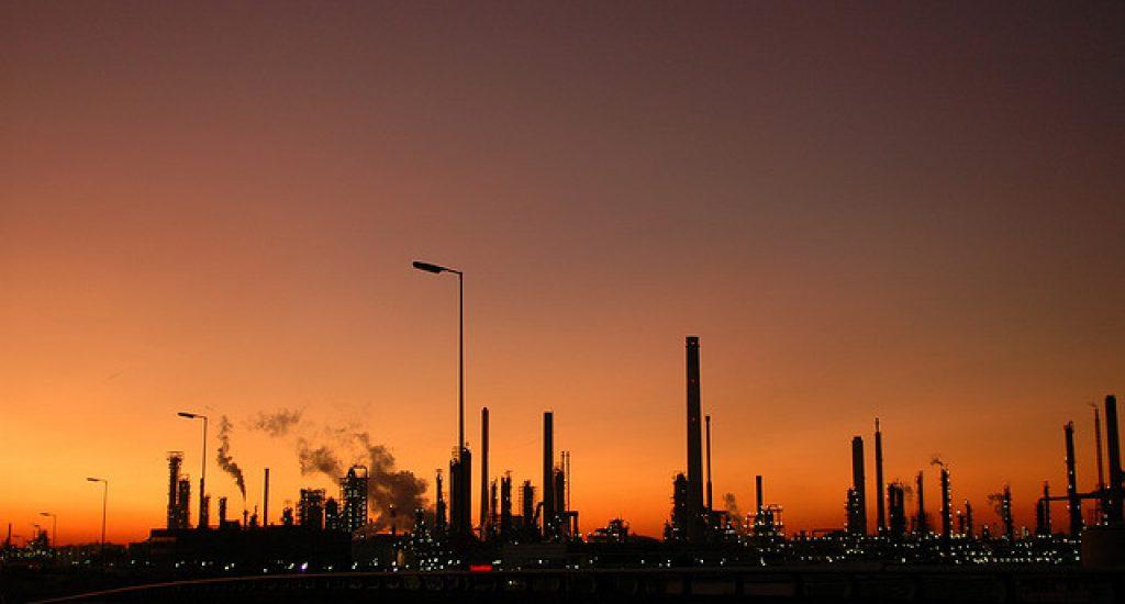 Olie wordt onbetaalbaar. Foto: Appie Verschoor, Flickr.